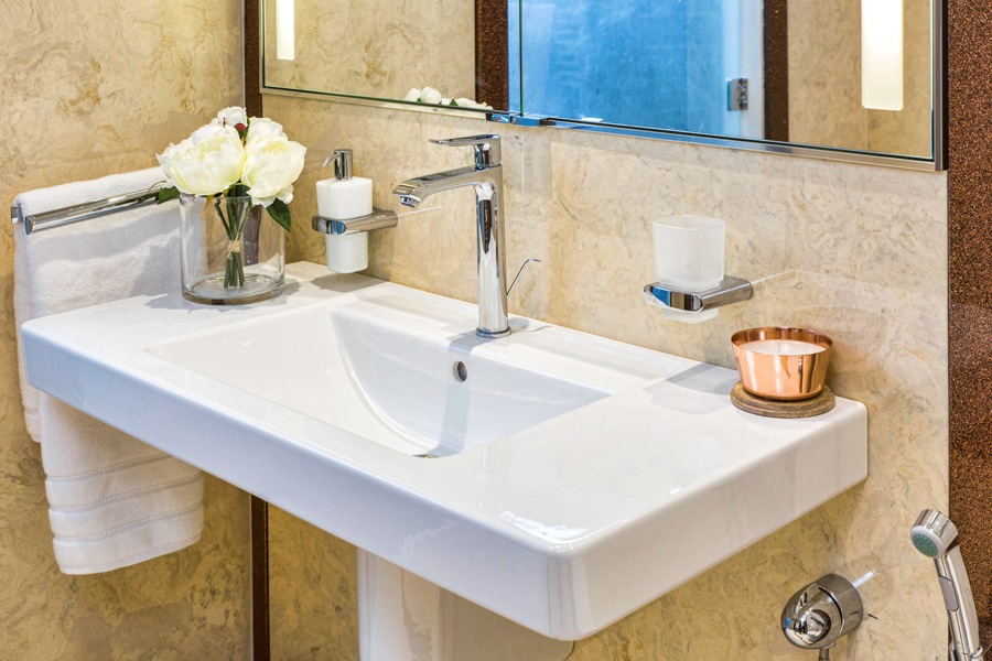 Villeroy and boch wall mounted sink