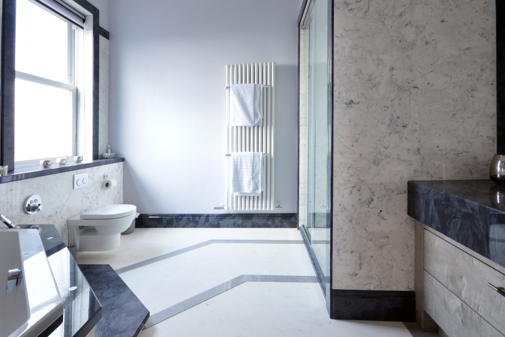 Bathroom Ideas – Contrasting Rich Grey and White Marble for a Stunning Effect
