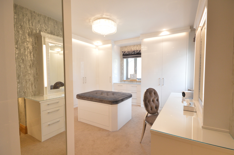 Stylish and Timeless Dressing Room in White